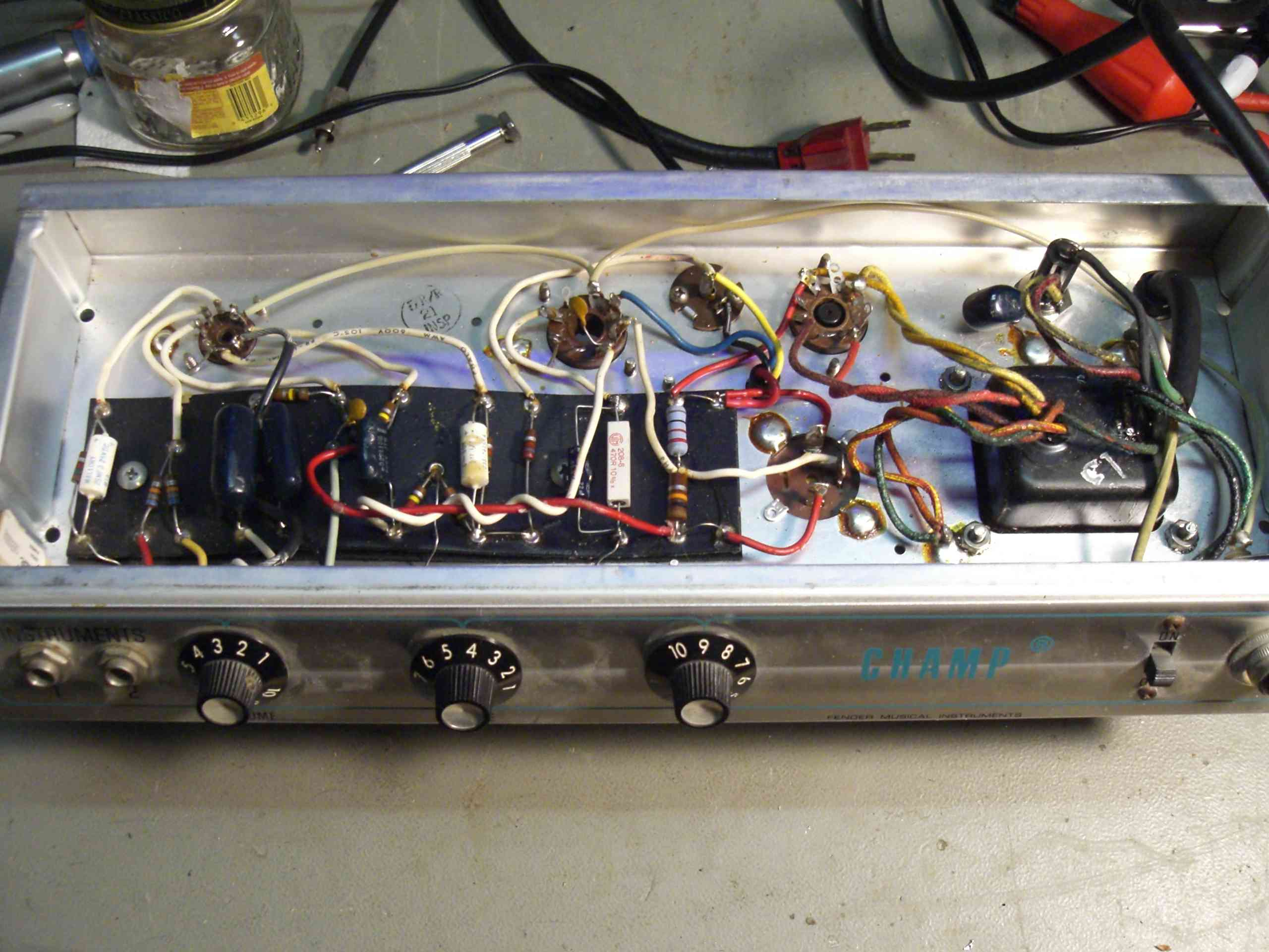$99 5w Stage Right Amp Vs Vintage Silverface Champ     fair